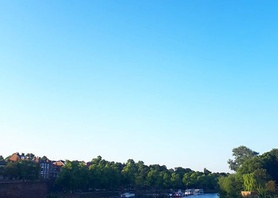 Beautiful evening for kayaking in the River Dee #chester #summernights #kayaking #thingstodo