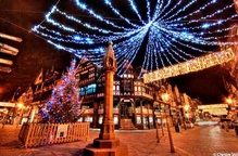 EiC Recommends: Christmas Lights Switch On